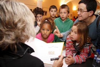 """L'acte de censura als contes infantils ha estat qualificat de """"malentès"""" per part de l'Ajuntament."""