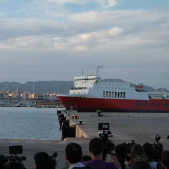 L'arribada dels passatgers del 'Sorrento' en imatges