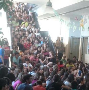 Els alumnes de l'IES Binissalem es tornen a plantar per demanar la dimissió de la directora