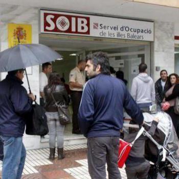 Rafel Borràs: «Som l'únic país que ven el descens de demandants de feina com a quelcom bo»