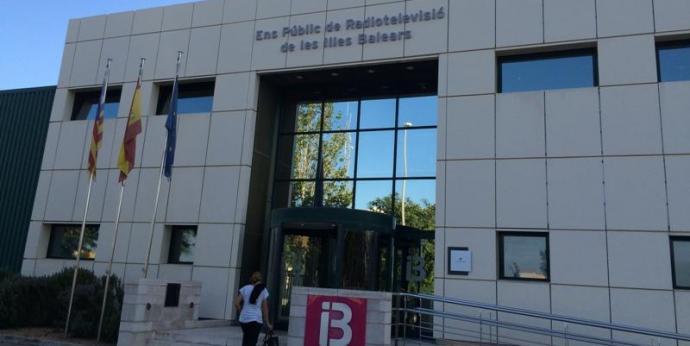 Centenars de treballadors del sector audiovisual reclamen a IB3 una sortida conjunta a la crisi