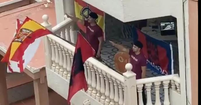 [VÍDEO] Quan l'exèrcit ocupa el carrer, el feixisme guaita pel balcó