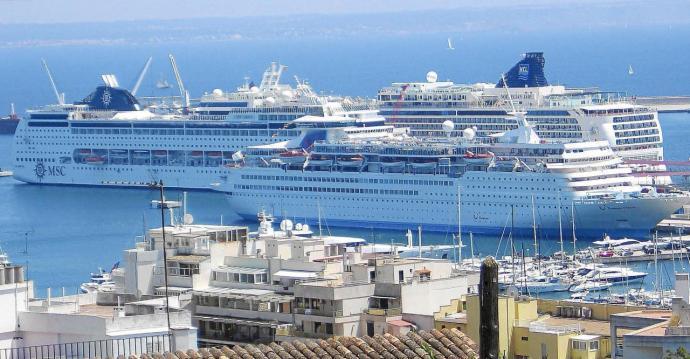 La Comissió Europea adverteix que són els creuers els responsables de repatriar passatgers i tripulació