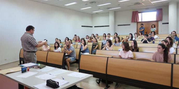 El sindicat d'interins docents impugna les oposicions del 2020 ajornades al 2021