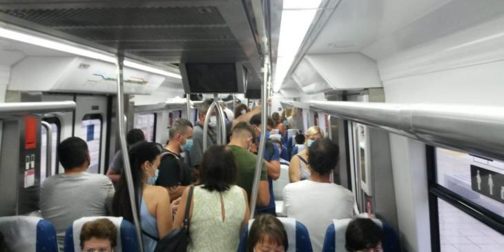 Usuaris de Tren denuncien que no es pot guardar la distància de seguretat arran del nou horari