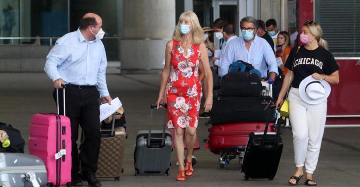 Les restriccions per a viatjar a l'Estat espanyol s'amplien fins al 30 de setembre