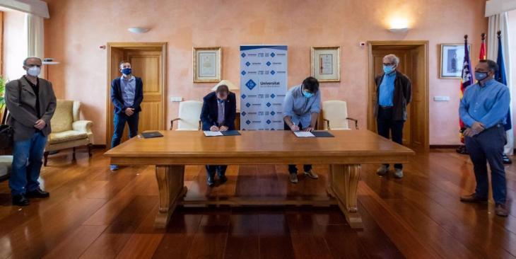 Bunyola i la UIB signen un acord per a l'elaboració d'un estudi ambiental a Orient
