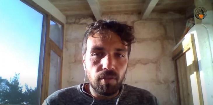 [VÍDEO] Toni-Lluís Reyes: «No renunciar a la teva fonètica, als teus trets lingüístics dialectals, està bé sense caure en el gonellisme»