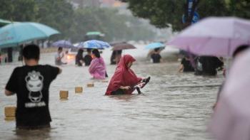 Les torrentades provoquen almenys 12 morts al metro de Zhengzhou, a la Xina