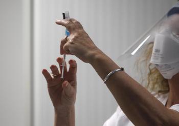 Les Balears sumen 715 nous positius en Covid aquest diumenge i la població vacunada arriba al 57,8%