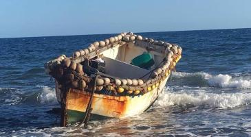 Què haurien de fer les institucions davant la gran arribada de barques amb migrants?