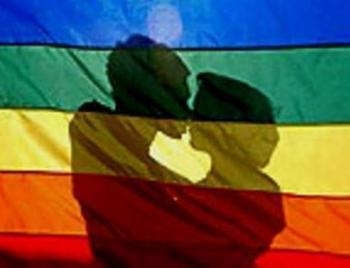 Detenguts dos homes a Eivissa per insults homòfobs i agressió a un grup de persones