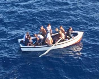 Arriben 108 migrants en barca durant la matinada