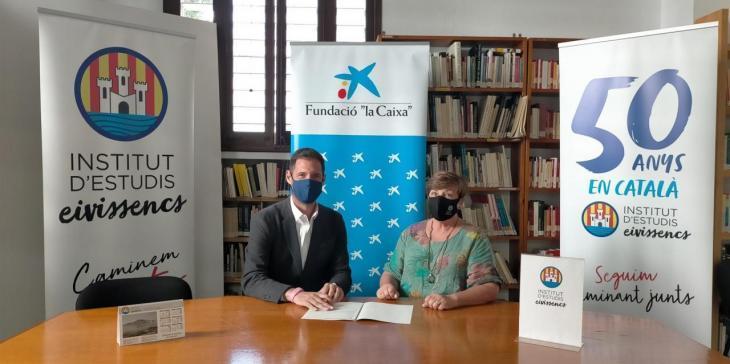 L'Institut d'Estudis Eivissencs i la Fundació la Caixa renoven el conveni i seguiran impartint cursos de català